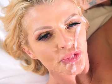 Joslyn James: Sneaky Mom, Clueless Dad