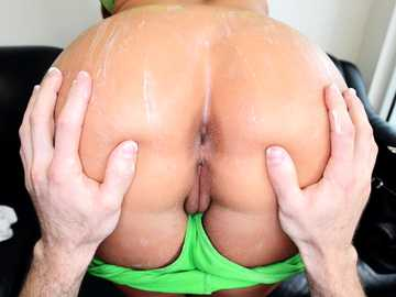 Phoenix Marie's huge big ass gets fucked